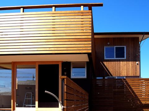 四街道の家 木のサッシのある外観 木製サッシのある外観